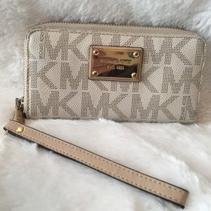 Michael Kors Continental Signature Logo Wallet